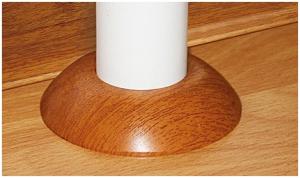 Пример закрытия компенсационного зазора между трубой и ламинатом