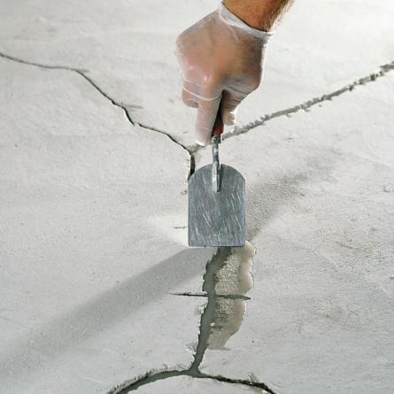 Порядок проведения работ по ремонту трещин в стяжке пола.