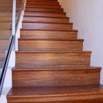Ламинат на длинной лестнице